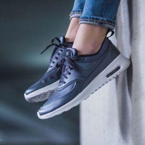 Nike Air Max Thea Size 7 Metallic Hematite